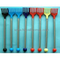 Telescopic executive back scratcher Manufactures