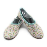 Washable Hotel Room Slippers Comfortable Neoprene Slip On Shoes EVA Sole Manufactures
