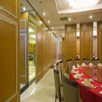 Acoustic Operable Wooden Partition Walls For School,Classroom and Hotel Manufactures
