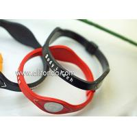China Custom personalized rubber silicone bracelets wrist bands/cheap colorful silicone wristbands on sale