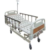 Three Functions Manual Hospital Medical Beds 5 Inch Castors Aluminum Alloy Side Rails Hospital Bed Manufactures