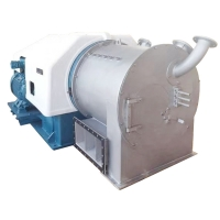 Horizontal Two Stage Pusher Centrifuge Decanter Separator Machine For Seasalt Dewater Manufactures