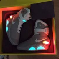 China Latest Hottest Nike Air Mag Back to the Future Marty McFlys Sneakers Glow In The Dark Men's Basketball Shoes on sale