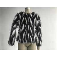Black / White Short Ladies Fake Fur Coats Round Neckline With 3/4 Sleeve TWS014553 Manufactures