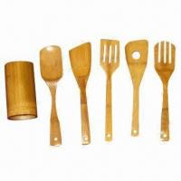 Bamboo tool set including holder, fork and spatula Manufactures