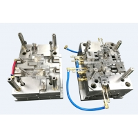 SPI-A1 Multi Cavity Submarine Gate Injection Molding Manufactures