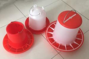 Poultry Farming 1.5kg 4kg Chicken Feeders And Drinkers For Broiler Manufactures