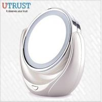 China Desktop double normal and 5x magnification makeup mirror with light on sale