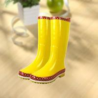Fashion shiny smooth yellow woman rubber rain boot Manufactures