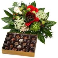 Holiday Greetings Bouquet And Chocolate.NO.49 Beijing gift Manufactures