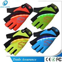 Led Light Sports Gloves CG-MT0512 Manufactures