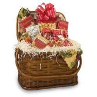 China Gourmet Food Gifts Picnic Time Romance Gift Basket on sale